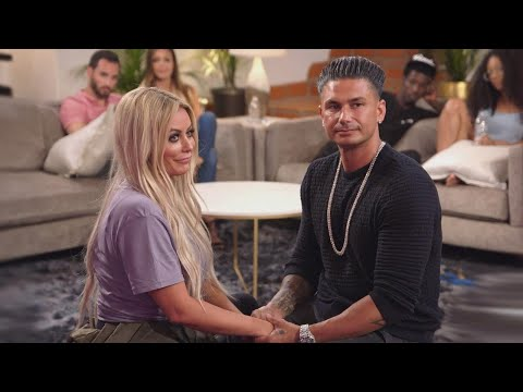 DJ Pauly D and Aubrey O'Day Perform Sex Positions on Marriage Boot Camp Reality Stars (Exclusiv…