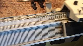 видео Промышленная вязальная машина: руководство для начинающих. Часть 1
