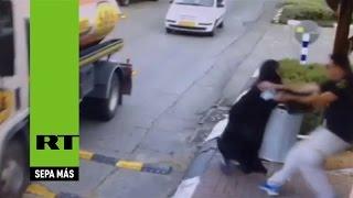 Cisjordania: Una mujer palestina apuñala a un Policía israelí