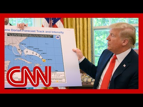 Papelón de Trump: mostró un mapa erróneo de recorrido del huracán Dorian