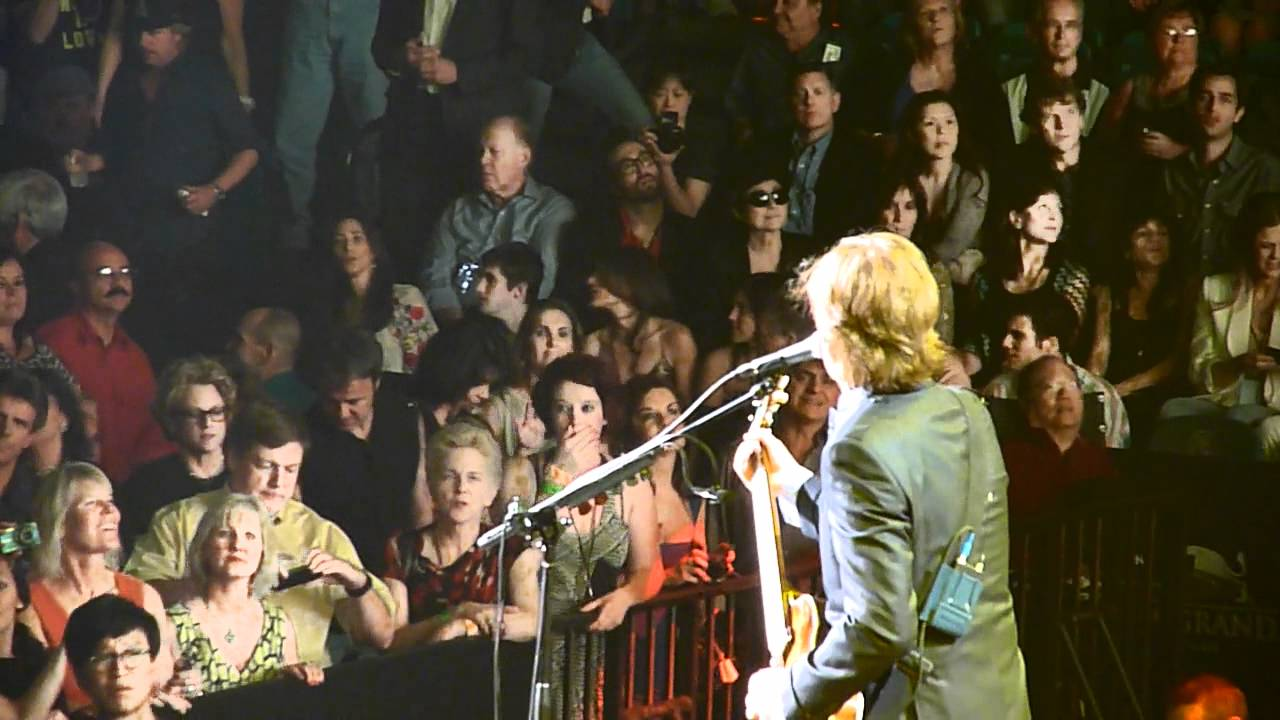Paul McCartney - Got To Get You Into My Life - MGM Grand Garden ...