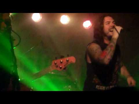 Saliva - Superstar (Live - 6/14/2017)