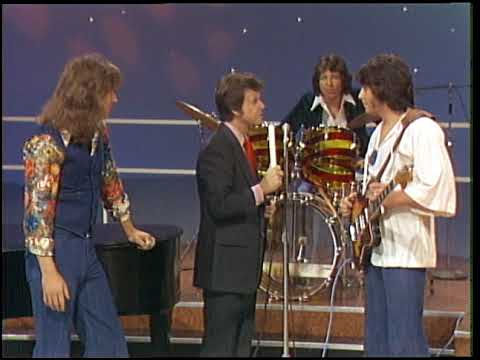 American Bandstand 1976- Interview Hamilton Joe Frank And Reynolds