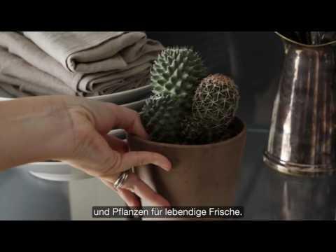 IKEA: So gestaltest du einen stilvollen Vitrinenschrank