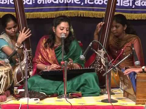 Raga Bhupali by Indian Classical Singer Meeta Pandit - A Concert in Pune