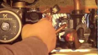 Reparar caldera de gas: Sustitución caudalímetro e intercambiador de placas en caldera thema