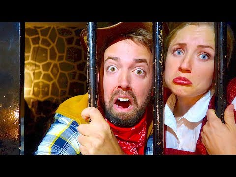 WE'RE TRAPPED! OLD WEST JAILBREAK! EPIC ESCAPE ROOM!