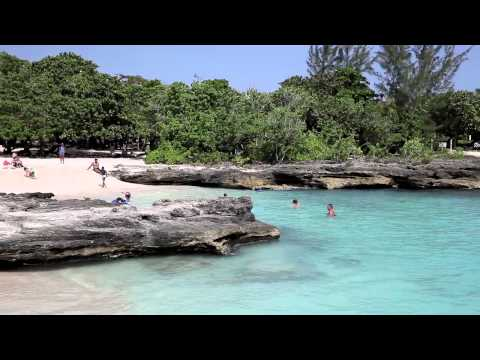 Why Wed and Honeymoon in the Cayman Islands? The Idyllic Locale.