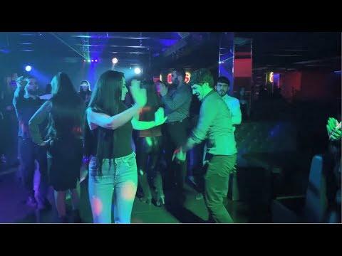 Девушки в ночной клуб ютуб ночной клуб сахар фото