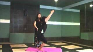 Yoga-Station pose movie ウトカタアーサナ 監修:山本 暁(ヤマモト ア...