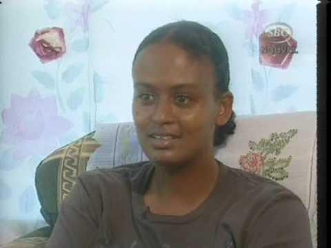SBC Seychelles:  Seychellois Lady working on Seychelles Tanker  15-08-09