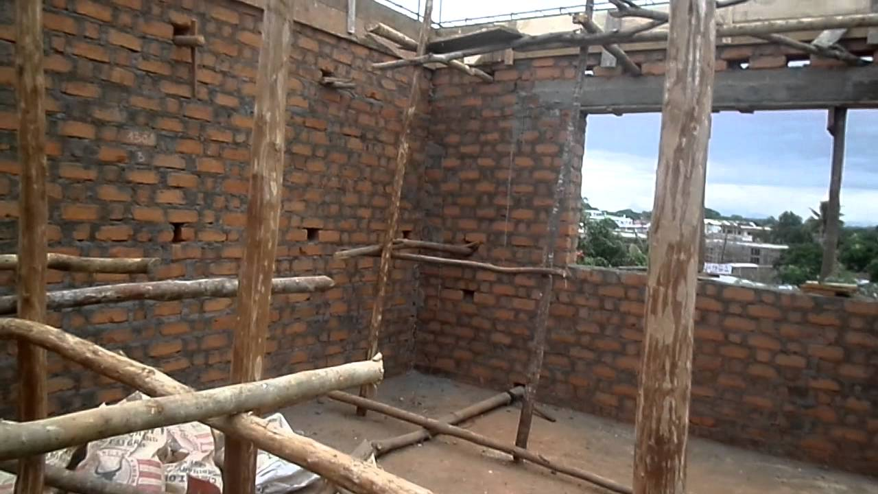 how to build a brick house video