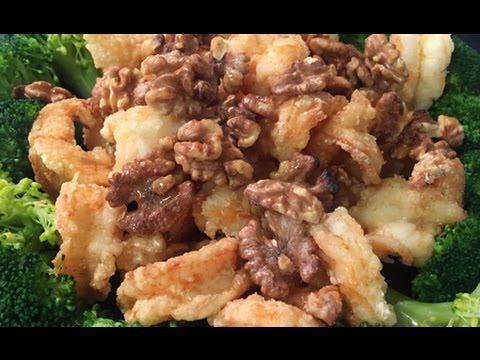 Walnut Shrimps with Broccoli and Garlic Mayonnaise Sauce 西芥蘭核桃蝦