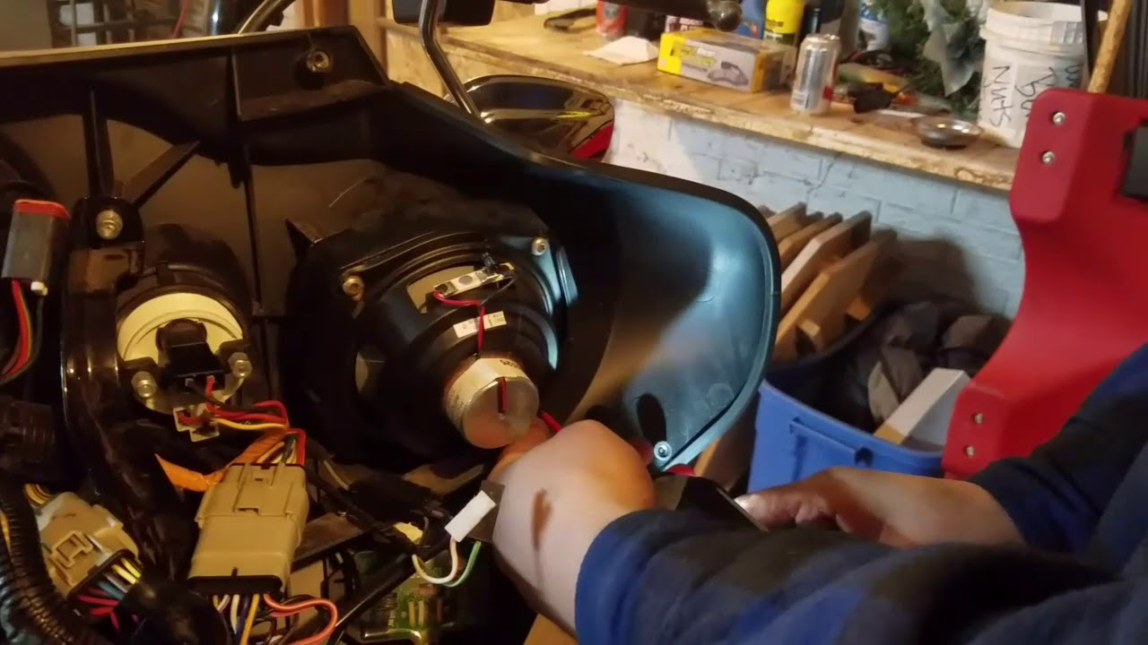 how to install amp and new speakers on your harley [ 1280 x 720 Pixel ]