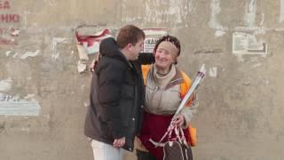 Городских уборщиц поздравили с 8 марта сотрудники администрации Кировского района
