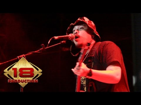 Netral - Trompet Iblis (Live Konser Padang Sidempuan Sumatra 29 Juli 2006)
