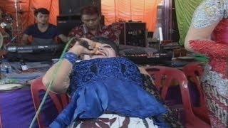 Download Video Waoww!!! Luar Biasa Goyang Kayang Hot Aksi Rataih Ipel Ipel Nguber Welase Jati Moelya MP3 3GP MP4