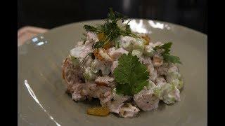 Салат с курицей в соусе ранч от Антона Прокофьева: рецепт от Foodman.club