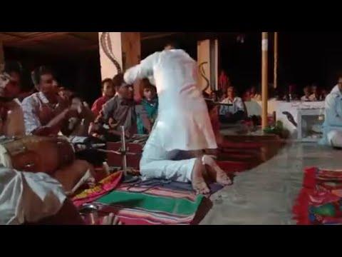 गायक के ऊपर आ गया भोपा बरतारे मे !! Darm  Sa Panwar !! ऐसा बरतारा आपने कभी नहीं देखा होगा