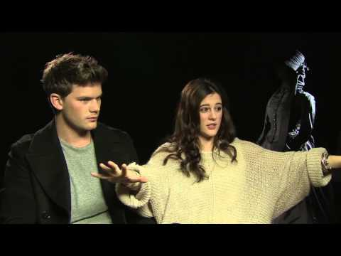 Jeremy Irvine & Phoebe Fox on The Woman in Black 2