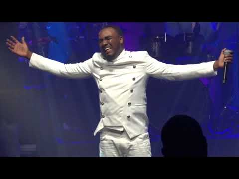 """Omega """"Worship Medley"""" live In Martinique"""