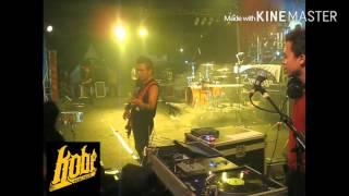 "Gambar cover KOBE BAND live "" Rock Makin Tinggi """