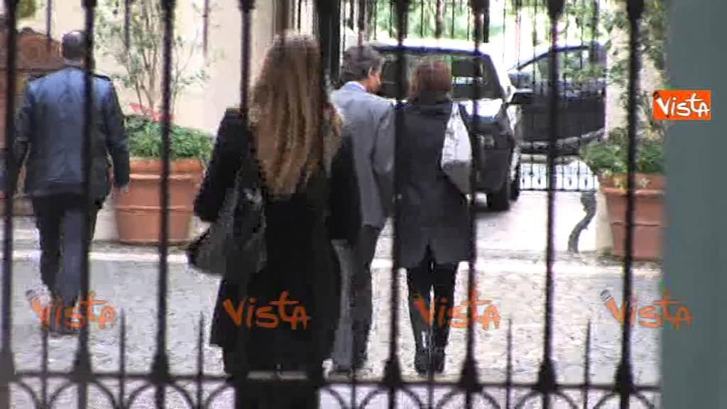 Forza italia l 39 ufficio di presidenza sfida tra fitto e for Ufficio di presidenza