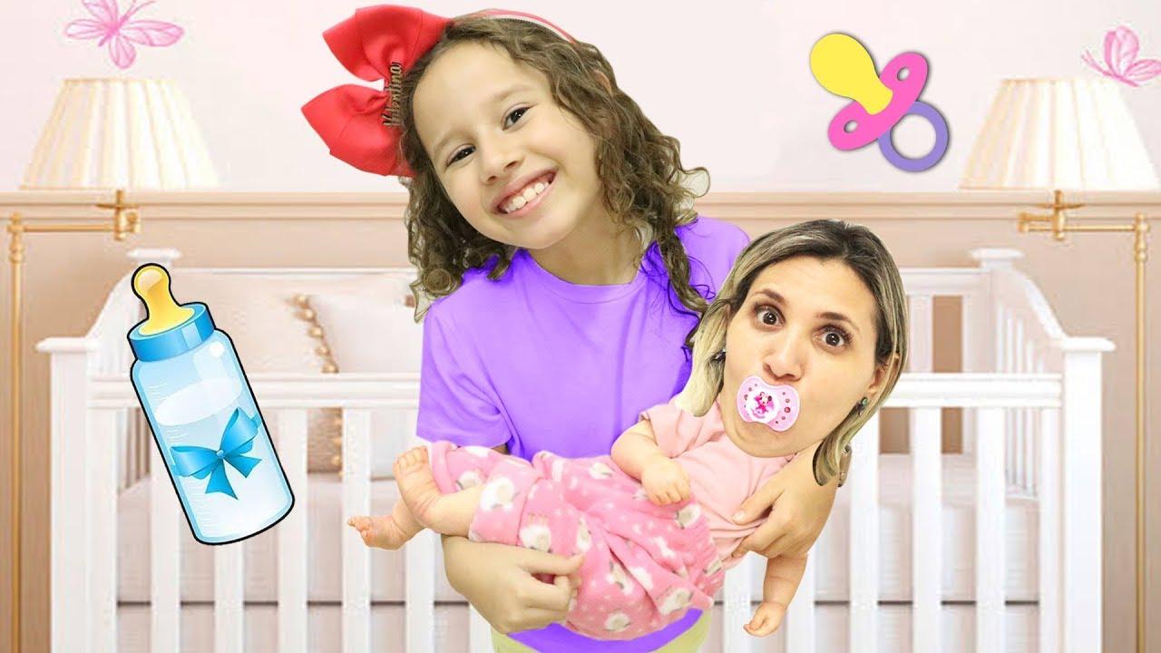 Valentina vira babá porque sua mãe VIROU UM BEBEZINHO!!!