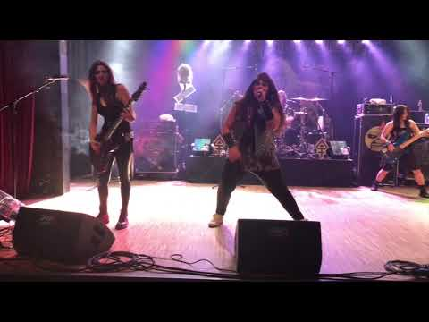 2017-11-10 The Iron Maidens Live at Festhalle Karlsruhe Germany 18 minutes movie