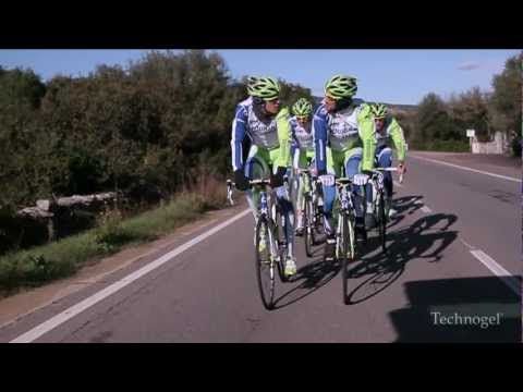 Daniel Oss training with Technogel Sleeping (Liquigas-Cannondale pro-cycling team)
