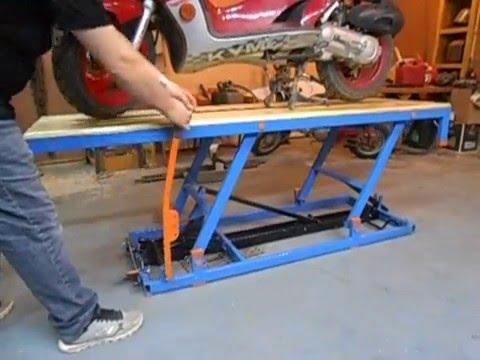 Motorcycle Lift 201 L 233 Vateur Pour Moto 1 1 Youtube