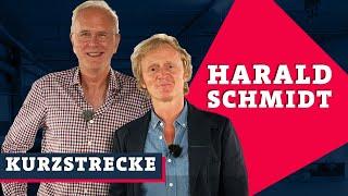 Harald Schmidt schenkt Likörchen aus