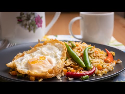 Detail recipe, please click my blog link at http://www.aziekitchen.com/2018/04/nasi-goreng-kampung-sedap-dan-mudah.html....