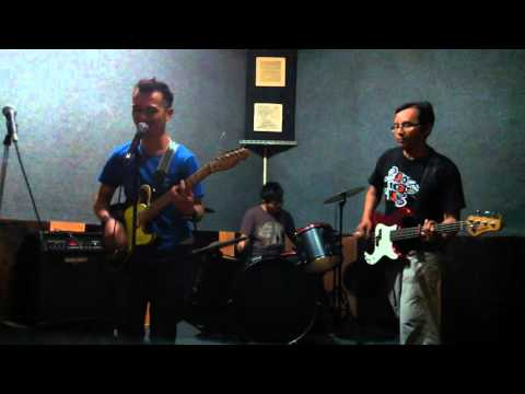 Ada band(ough)-cover by deccos