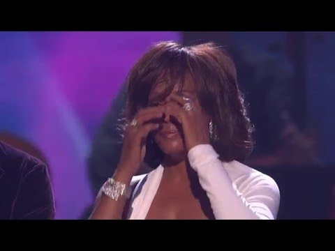 Whitney Houston Wins International Artist - AMA 2009