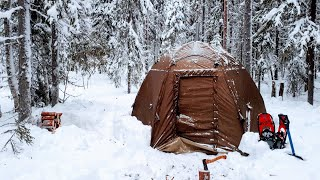 WINTER CAMPING 2020. 2 DAYS ONE IN THE FOREST. RUSSIA.