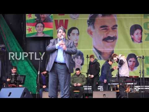 Germany: Tens of thousands of Kurds celebrate Newroz in Frankfurt