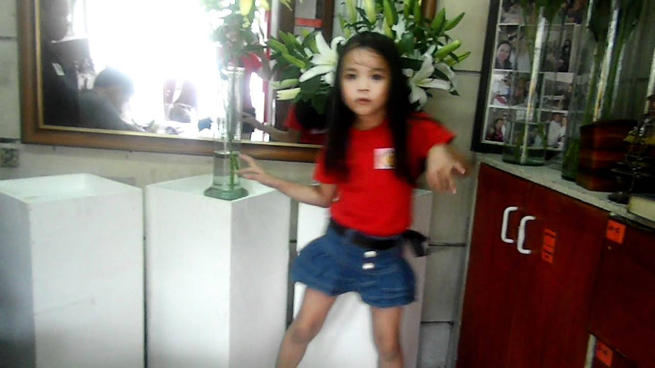 Cute Dancing 5 Years Old Girl Danah - Youtube