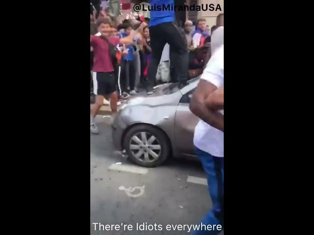 Existem idiotas no mundo inteiro! Franceses destruindo o país após a France vencer World Cup 2018