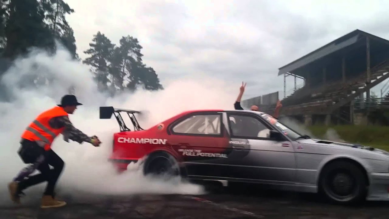 Bmw Turbocharged Hp Drift Car Burnout Youtube