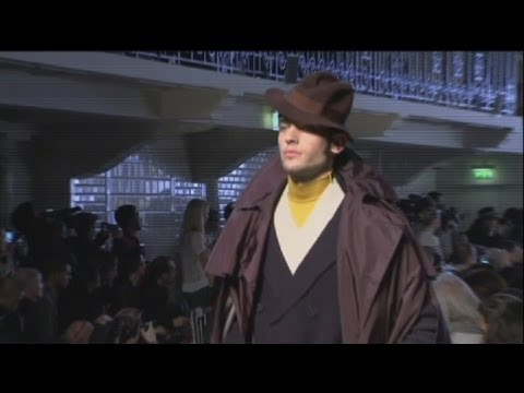 euronews le mag - Contrasts on the catwalks of Paris and Berlin