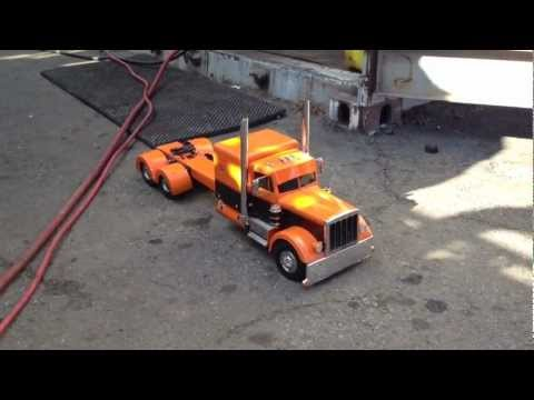 Remote controlled Peterbilt Tractor And Trailer