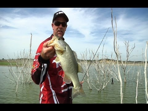Flippin' The Zoom Z Hog In Early Spring w/Marty Stone - Tackle Warehouse VLOG #187