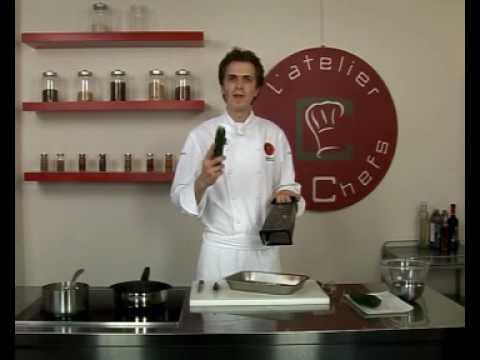 recette-de-gambas-en-nage-d'épices,-tagliatelles-de-courgettes-et-poires