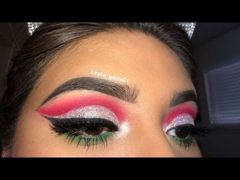 How To: Holiday Cut Crease  Leslie Garza