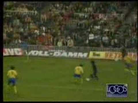 Las mejores jugadas de D10S. Diego Armando Maradona - YouTube 07c545a953e72
