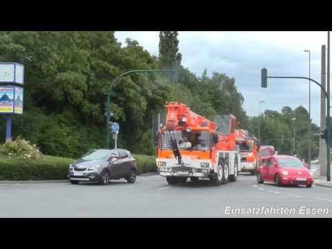 [Audi fährt durch Rettungsgasse] Rüstzug + DLK + RW Feuerwehr Köln + LF + RW Feuerwehr Essen