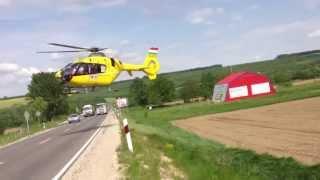Súlyos autóbaleset, helikopteres (EC135) mentés a 76-os úton.
