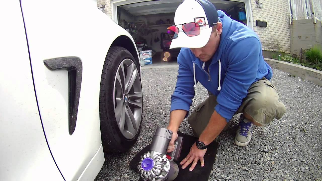 Dyson Cordless Lithium Car Vac In Action