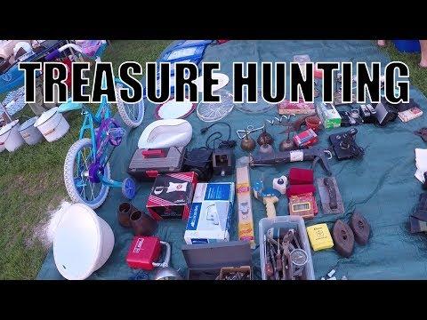 Flea Market Adventures - Hunting for Treasures!